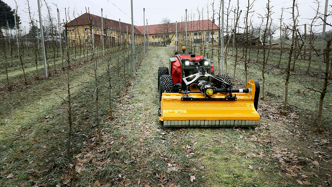 REFORM - Remote-controlled hybrid tool carrier